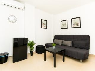 Downtown Thessaloniki apartment - Thessaloniki vacation rentals