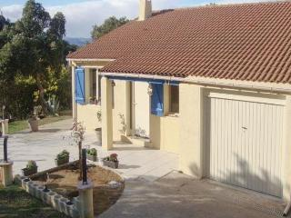 Comfortable 3 bedroom House in Le Boulou with Dishwasher - Le Boulou vacation rentals
