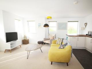 Beautifully designed coastal apartment in Newquay - Newquay vacation rentals