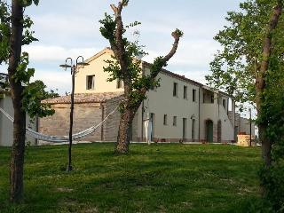 Marche, King's villa for 15 person next to the sea - Loreto vacation rentals