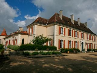 Perfect Chateau with Internet Access and Satellite Or Cable TV - Cherval vacation rentals