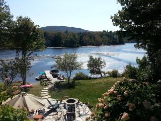 Beautiful Country Luxury Waterfront Lake Home - Newport Center vacation rentals