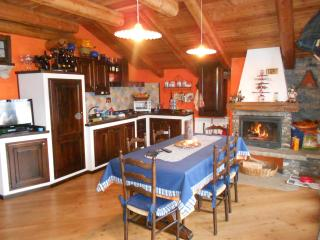Cozy 3 bedroom Apartment in Sestriere - Sestriere vacation rentals