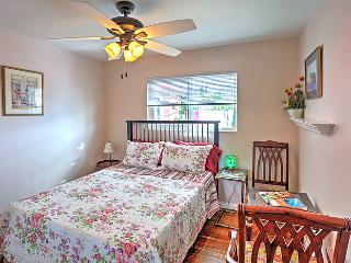 The Peach Room  1 room only in house - Santee vacation rentals