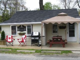 Enjoy Cottage Life Grand Bend Style!! - Grand Bend vacation rentals