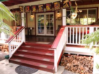 3BR/2BA Home in Volcano- Hot Tub, FREE Wi-Fi and Phone - Volcano vacation rentals