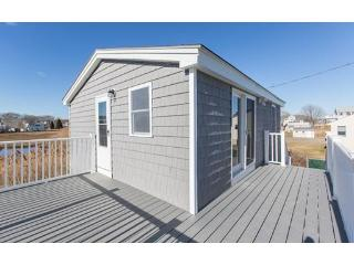 Top floor 1 bedroom condo across from north beach - Hampton vacation rentals