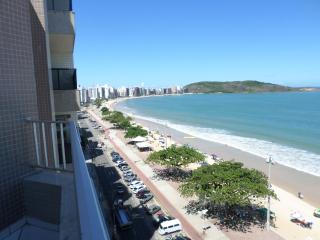 Apto cobert 3 qtos + depend, c/ wi-fi e TV a cabo - Guarapari vacation rentals