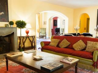 Luxury Villa with 7 Bedrooms - Lucca vacation rentals