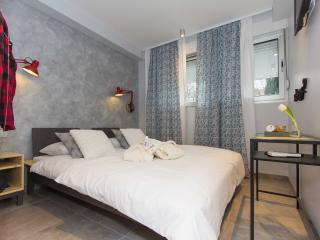 B&B Vibe Sleepy room - Split vacation rentals
