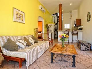 Luna Antigua, Best location!, 100mts to mamitas! - Playa del Carmen vacation rentals