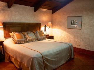 Gorgeous colonial-style Loft - Antigua Guatemala vacation rentals