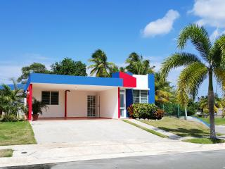 Intimate Beach House, Relaxing Atmosphere, Coastal View - Arecibo vacation rentals