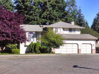 Tasteful SILVERDALE home conveniently located - Silverdale vacation rentals