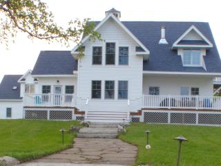 Lovely 2 bedroom Cottage in Saint Ignace - Saint Ignace vacation rentals