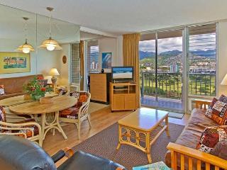 Free Parking, Full Kitchen, & Panoramic Mt Views! - Honolulu vacation rentals