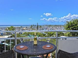 OCEAN VIEWS! STEPS TO WAIKIKI BEACH - Honolulu vacation rentals