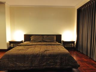 250SQM * 2BR * 6Pax * superb facilities * Prompong - Bangkok vacation rentals