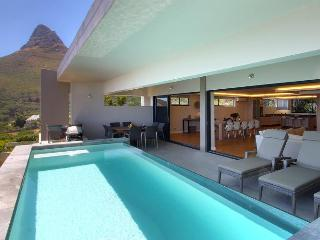 Superbly Stylish, 3 bed Luxury Vacation Rental - Camps Bay vacation rentals