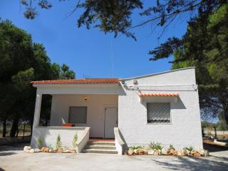 Villa Flora - casa vacanze con giardino - Manduria vacation rentals