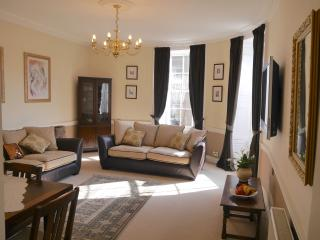 2 Bridge Street, Berwick -upon-Tweed, Town centre,  grade 11 listed apartment - Berwick upon Tweed vacation rentals