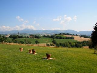 Maison dans la campagne des Marches - Castelraimondo vacation rentals