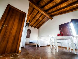 2 bedroom Manor house with Internet Access in Sonnino - Sonnino vacation rentals