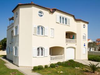 ATON APARTMENT'S (Vrsi Mulo) - House-3 apartments - Vrsi vacation rentals