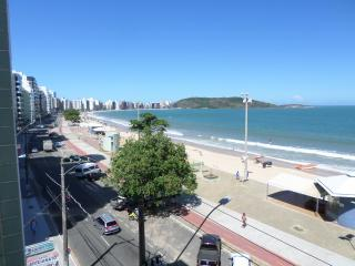 Apto 2 qtos + depend, de frente para o mar - Guarapari vacation rentals