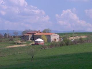 La Clef des Puys Famille et Tribus - Sermentizon vacation rentals