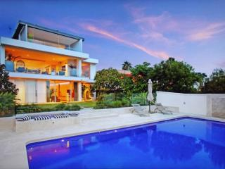 Spectacular 5 Bedroom villa with amazing views - Vaucluse vacation rentals