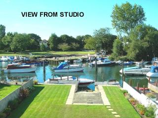 CHRISTCHURCH RIVERSIDE STUDIO w/ Fishing Available - Christchurch vacation rentals