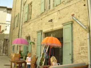 Maison Anila | Appartement Zéphir - Saint-Privat-de-Champclos vacation rentals