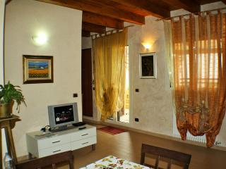 Romantic 1 bedroom Vacation Rental in Barletta - Barletta vacation rentals