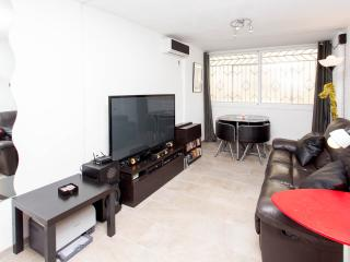Private room 1 or 2 people WIFI 15 mins to centre - Barcelona vacation rentals
