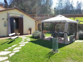 2 bedroom Barn with Internet Access in Poggibonsi - Poggibonsi vacation rentals