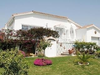 Sunny 3 bedroom Chilches House with Short Breaks Allowed - Chilches vacation rentals