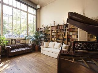 Chez Picasso, townhouse, 4Br 2Ba, ideal location - Paris vacation rentals