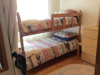 Brunstane drive bunk room - Edinburgh vacation rentals