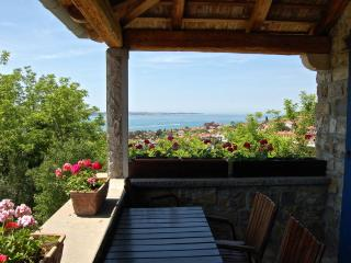 Istrian House - 1-bedroom apartment with sea view - Portoroz vacation rentals