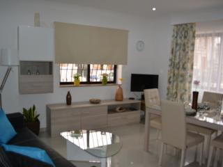 Charming Apartment Next To Beach - Swieqi vacation rentals