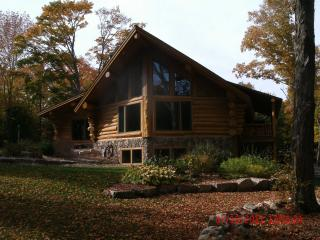 Stunning location, Beautiful spotless Lodge - Fish Creek vacation rentals