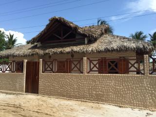 Villa Alisea, residenza indipendente con giardino - Barra Grande vacation rentals