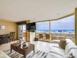 ***Amazing 50' Ocean Frontage, Private Patio*** - Pacific Beach vacation rentals