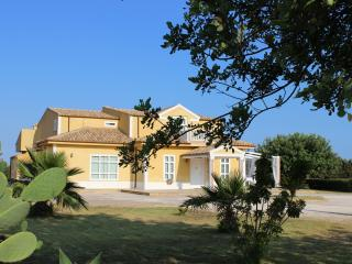 Rockville Holiday House in Sicily - Cava d'Aliga vacation rentals