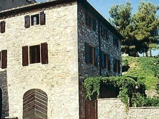Romantic 1 bedroom Orciatico Apartment with Short Breaks Allowed - Orciatico vacation rentals