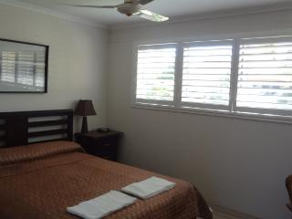 Comfortable 2 bedroom Condo in Noosaville - Noosaville vacation rentals