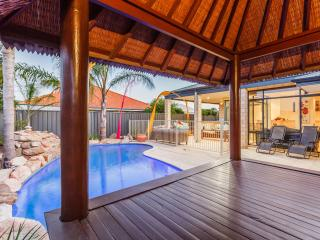 Canning Vale Retreat,  Free Loan car. - Canning Vale vacation rentals