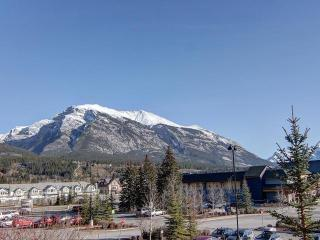 Downtown Vacation Retreat - Newly Remodeled! - Canmore vacation rentals