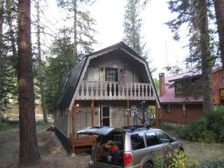 Riverside cabin in Plain - Plain vacation rentals